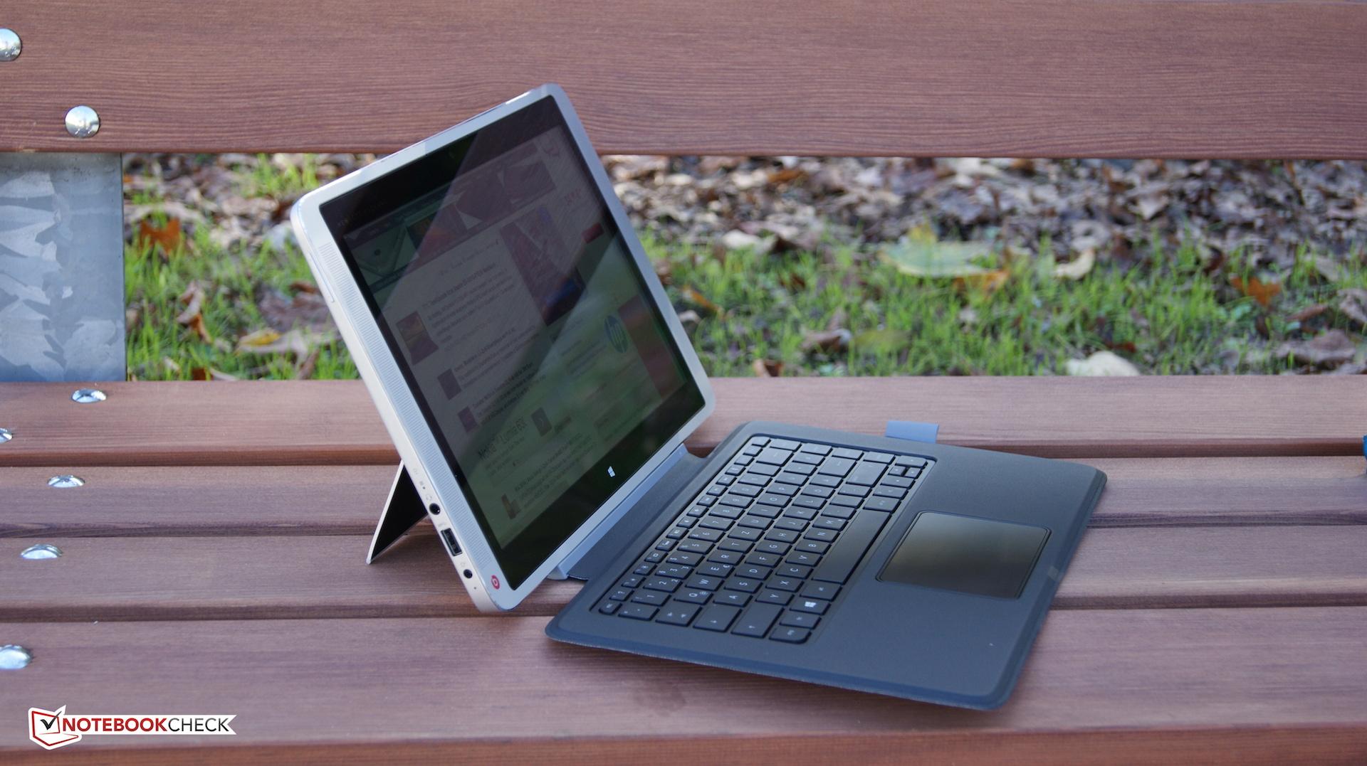 Envy x2 jako laptop z podpartym ekranem