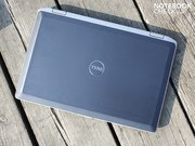 z bliska: Dell Latitude E6520 (i7/Full HD)
